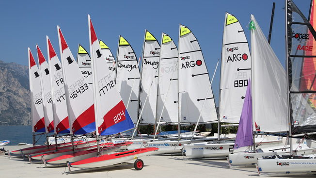 sailing holiday dinghies