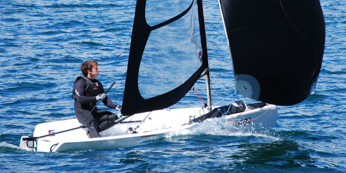 Dinghy rental in Topaz Uno Race X